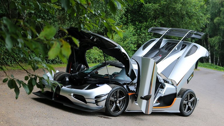 bugatti and koenigsegg hypercar pairing up for sale lifestyle driven. Black Bedroom Furniture Sets. Home Design Ideas