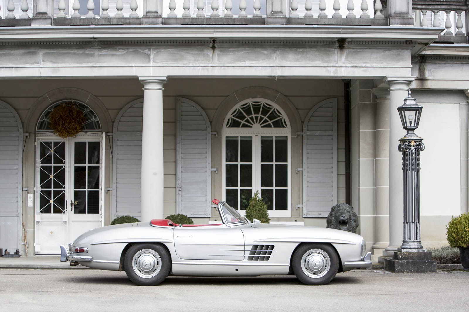 12 beautiful classic cars found in a Swiss castle - Classic cars ...