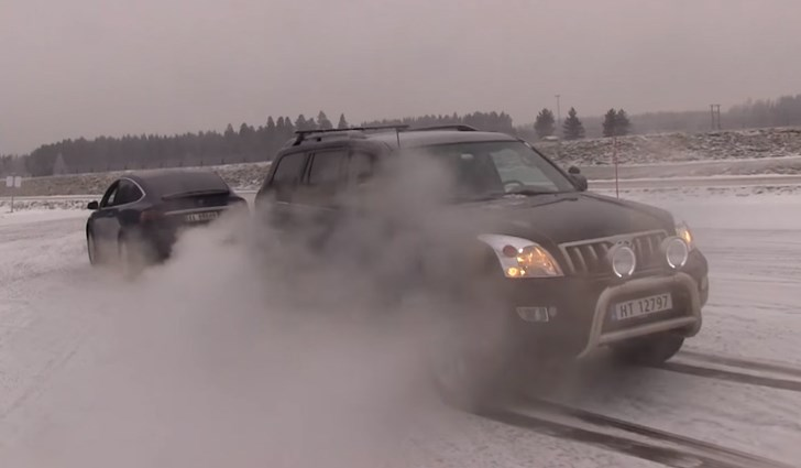 A battle for the ages: Tesla fights Toyota Prado in tug of war
