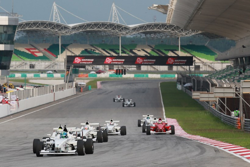 The start of AsiaCup Series Event 2 Race 5 at the Sepang Circuit. Photo / Peter Lim