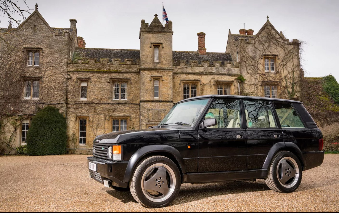 Ultimate sleeper? Classic Range Rover transformed into a